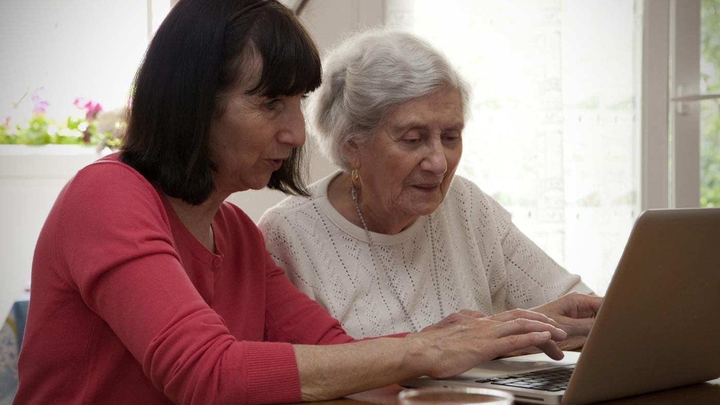 can-senior-citizen-program-learn-use-computer_610a706008c160e5.jpg