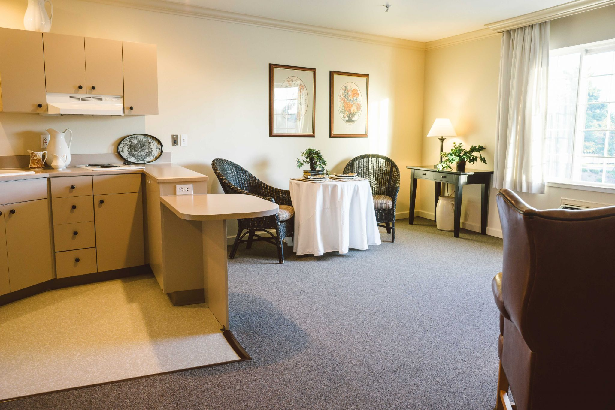 Independent And Assisted Living In Tacoma Weatherly Inn